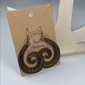 Antique Gold Tone swirl earring